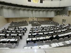 東京都議会第3回定例会の本会議。2016年10月5日