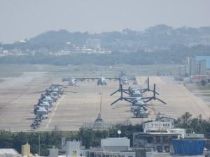 沖縄の米軍普天間基地に配備されているオスプレイ
